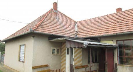 Na predaj rodinný dom Zlaté Moravce- Prílepy