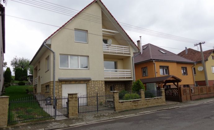 Dva rodinné domy s možnosťou podnikania v mestskej časti Lipt. Mikuláša