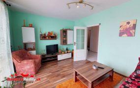 Exkluzívne IBA U NÁS Vám ponúkame na predaj 3-izbový byt v Trenčíne, sídlisko Juh, ul. J.Halašu o rozlohe 70 m2