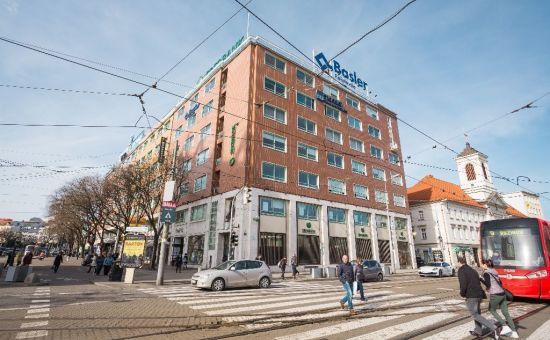 ARTHUR - Prenájom kancelárskych priestorov v centre Bratislavy, námestie SNP