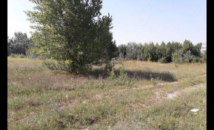 Na predaj pozemok v piemyselnej zóne  Nových Zámkov.