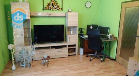 Na predaj 3 izbový byt s lodžiou, 83 m2, Nemšová, ul. Sklárska