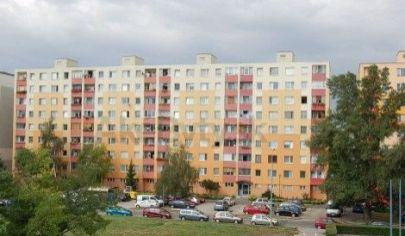 Prenájom - Výborný 4 izbový  byt s loggiou, 3 samostatné izby  - Rontgenova - Petržalka - BA V. TOP PONUKA !EXKLUZÍVNE !
