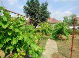 PREDANÉ - okr. SENEC - obec MALINOVO - ponúkame na predaj starší 3 izbový rodinný dom s krásnym pozemkov vo vyhľadávanej lokalite