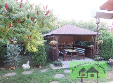 REZERVOVANÉ!!Pekný 3-izbový dom, 90 m2 s krásnou upravenou záhradou, altánok, garáž, Tekovské Lužany