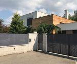 Novostavba nadštandardného 5 izbového domu s pozemkom 1079 m2, garáž, bazén / Zamarovce