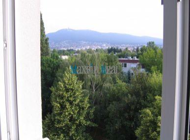 MAXFIN REAL - prenájom DVOCH IZIEB priestranného 3-izbového bytu s krásnym výhľadom vo vynikajúcej lokalite na Chrenovej v Nitre
