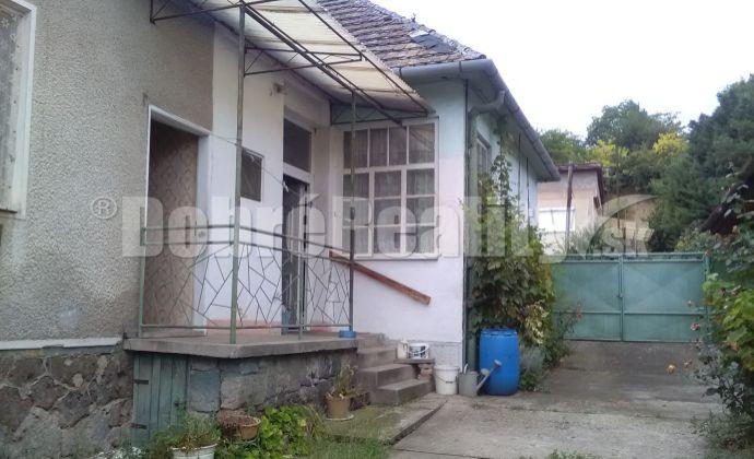 Na predaj rodinný dom v obci Chľaba