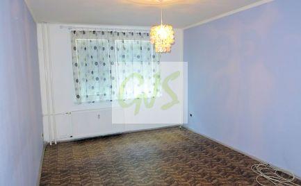 Veľký trojstranný byt s loggiou v centre Zlatých Klasov.