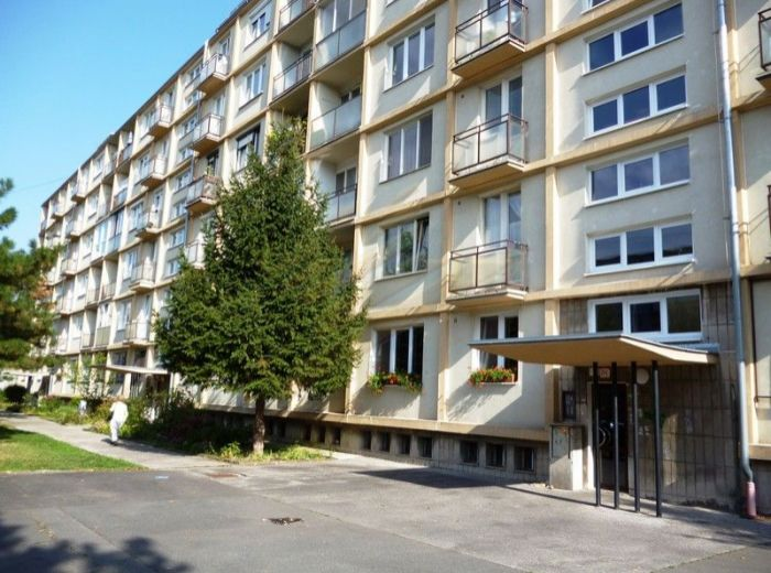 PREDANÉ - SIBÍRSKA, 2-i byt, 57 m2 – krásne zachovalé drevené parkety, 2x balkón, VÝBORNÁ LOKALITA a TICHÉ PROSTREDIE