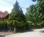 Zariadený nadštandardný rodinný dom pod lesom, pozemok 12 925 m2, prekrytý bazén, dvojgaráž, lokalita Moravské Lieskové