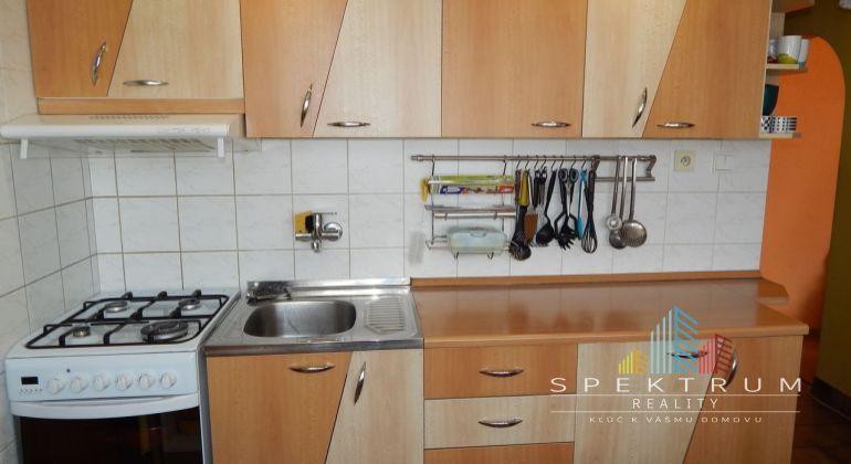 Exkluzívne- Na predaj 2 izbový byt, 55 m2, Prievidza, Čierne mesto