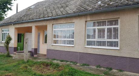 EXKLUZÍVNE IBA U NÁS. Rodinný dom na predaj v Strekove.