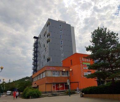 Ponúkame nadštandardný 1 izbový byt, v centre Považskej Bystrice, 36m2.