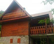 Predaj, trojpodlažná chata v krásnom prostredí, Hriňová