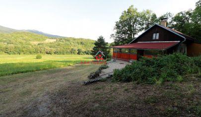Tehlová chata 140m2, s veľkým potenciálom v krásnom prostredí,rybník, predaj, Košice-okolie, Vyšná Kamenica