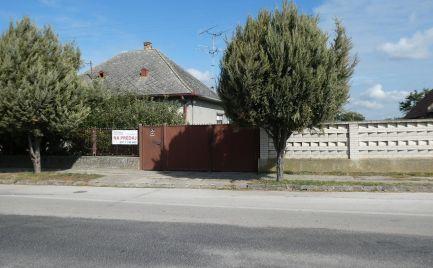 Starší rodinný dom na predaj – so stavebnými pozemkami