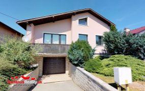EXKLUZÍVNE ponúkame na predaj zaujímavý rodinný dom v Dubnici nad Váhom, časť Prejtá, Družstevná ulica.