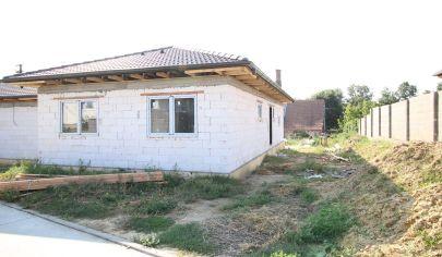 SORTier s.r.o.: Predaj novostavby rodinného domu vo Veľkých Levároch
