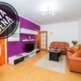 Nádherný rekonštruovaný a klimatizovaný 3-izb byt s veľkou loggiou a nádherným výhľadom v Dúbravke