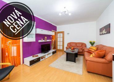 REZERVOVANÝ Nádherný rekonštruovaný a klimatizovaný 3-izb byt s veľkou loggiou a nádherným výhľadom v Dúbravke