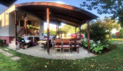 ZNIZENA CENA!Krásna chatka s Priestrannou záhradou v tichej časti