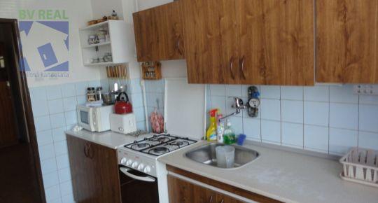 Predám 3 izbový byt 99,50 m2 s 3 pivnicami+garáž+záhrada, Nedožery-Brezany, 78061