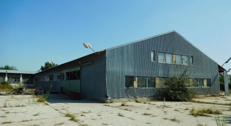 PREDAJ - HALY NA POZEMKU S ROZLOHOU 12 230 m2 V OKOLIČNEJ NA OSTROVE