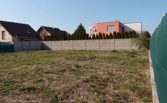 Predáme ideálny stavebný pozemok 624m2,  Kalinkovo, IS v dosahu