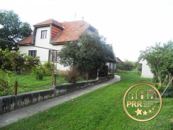 Znížená cena !!! Predaj domu s krásnym pozemkom 2243 m2 v obci Borčany pri Bánovciach n/B.