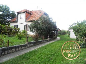 Predaj domu s krásnym pozemkom 2243 m2 v obci Borčany pri Bánovciach n/B.