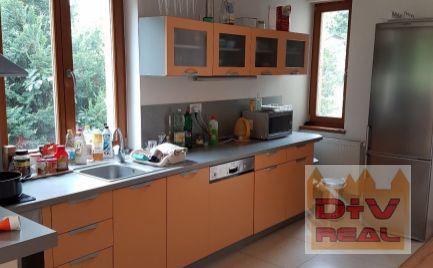 D+V real ponúka na prenájom: 6 izbový rodinný dom, Bellova ulica, Bratislava III, Koliba, parkovanie, terasa, vhodný aj na bývanie aj pre firmu