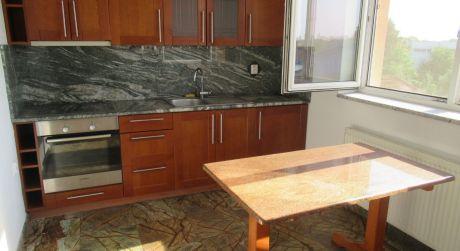 ZAREZERVOVANÝNa predaj luxusný 1-izb byt s balkónom v Šuranoch.