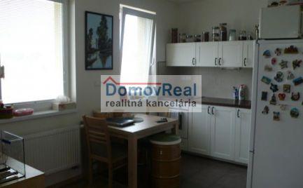 Ponúkame na prenájom čiastočne zariadený 1-izbový byt s balkónom v Šamoríne