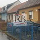 Rod.dom v centre mesta Senica na Štúrovej ulici