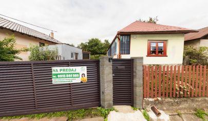 PREDANÉ - Rodinný dom s pozemkom Krivany