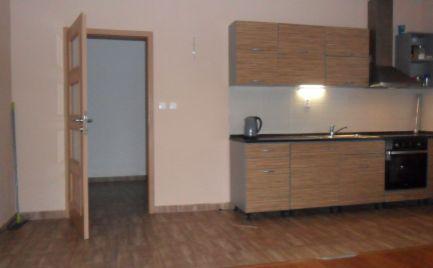 Predám 2 izbový byt v bytovke vo Svätoplukove.