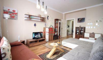Krásny kompletne zariadený 2-izbový byt (66 m2) s loggiou, Garbiarska ul., Košice / CENTRUM