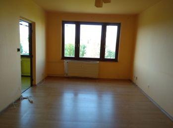 2 izbový byt s lodžiou - Poltár