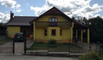 OSLANY, EXKLUZÍVNE Rodinná vila s pozemkom 4786 m2