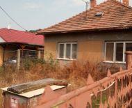 Znížená cena o 5000Eur! Veľký pozemok, so starým RD vhodné na ďalšie výstavby v obci Veľké Blahovo!