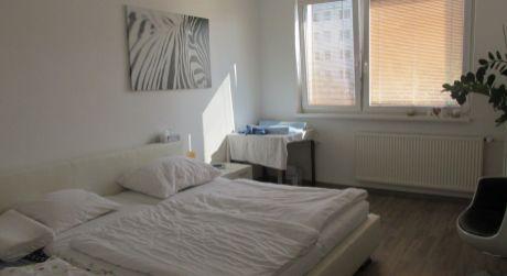Znížená cena o 4.000,-€Veľkometrážny kompletne zrekonštruovaný 3iz.byt Zlaté Moravce
