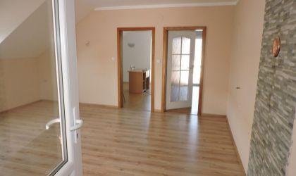 Veľký rodinný dom Prašice, okres Topoľčany - 133900€