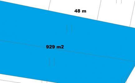 ZĽAVA - Stavebný pozemok 929 m2, 11 km od Banskej Bystrice – všetky inžinierske siete na pozemku -  Cena 77 000€