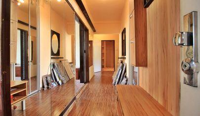 EXKLUZÍVNE: 3-izb TEHLOVÝ byt / 74m2 / obklopený parkom, výťah, balkón, ul. Park Angelinum /  KOŠICE I -  STARÉ MESTO