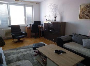 Veľký 2 izbový byt v Lučenci
