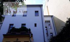 Predám pekný 3i byt na ul. Železničiarska, Bratislava - Staré Mesto. Rozloha bytu je 89 m2.