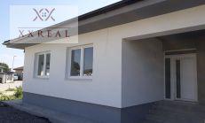 Predaj 4izbový rodinný dom v dvoj dome v obci Malinovo.