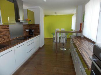 Na predaj exluzívny dom vo výbornej lokalite ul. Kavečianska cesta.