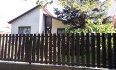 Predám 4i rodinný dom 5 minút pešo od centra mesta Šamorín na Pomlejskej ceste.